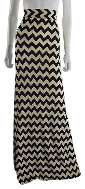 Preload https://item1.tradesy.com/images/lisa-nieves-beige-and-black-chevron-maxi-skirt-size-6-s-28-21554540-0-1.jpg?width=400&height=650