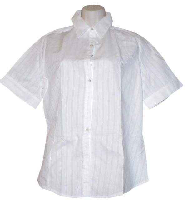 Preload https://item2.tradesy.com/images/anne-fontaine-white-cotton-short-sleeve-shirt-size42-button-down-top-size-8-m-21554796-0-1.jpg?width=400&height=650