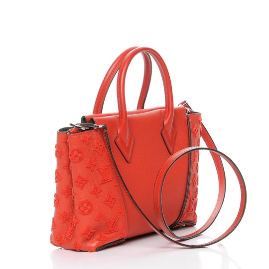 Louis Vuitton Alma Bb 2way Lv 2018 Lv 2017 Lv Runway Tote in Red
