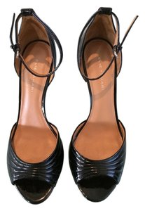 Elie Tahari D'orsay Black Pumps