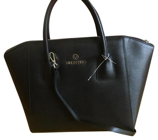 Preload https://item5.tradesy.com/images/mario-valentino-black-leather-tote-21556539-0-1.jpg?width=440&height=440