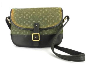 Louis Vuitton Besace Berangere Shoulder Bag