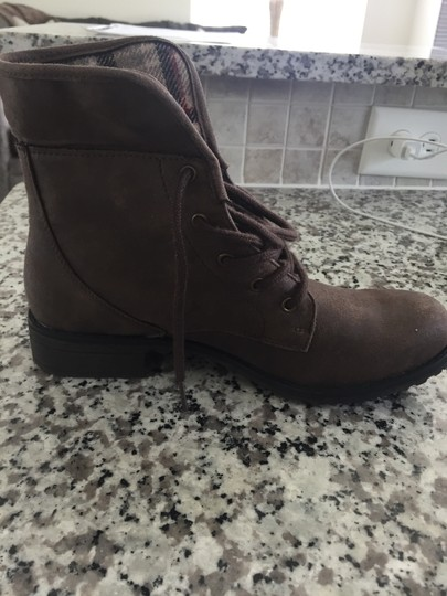 White Mountain Brown Boots