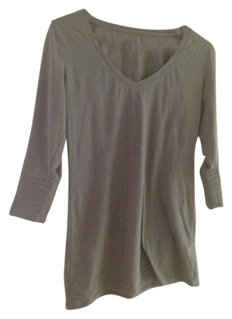 Preload https://item1.tradesy.com/images/new-york-and-company-tunic-grey-2155695-0-0.jpg?width=400&height=650