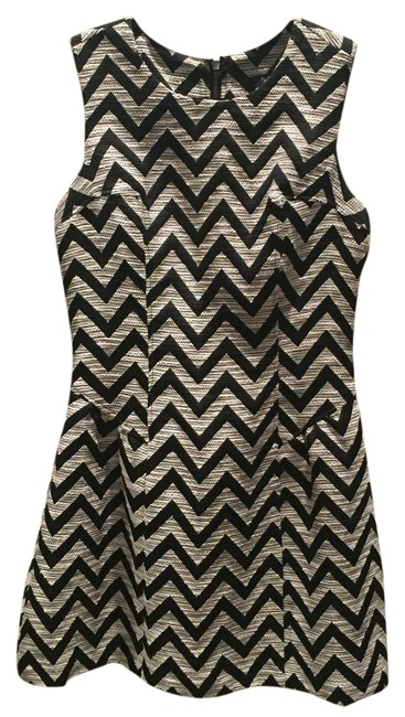 Preload https://item2.tradesy.com/images/laundry-by-shelli-segal-black-and-cream-fit-and-flare-short-casual-dress-size-6-s-21556976-0-2.jpg?width=400&height=650