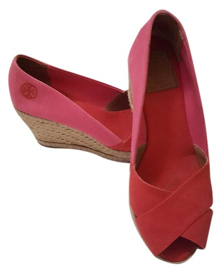 Preload https://img-static.tradesy.com/item/21557099/tory-burch-pinkred-and-canvas-espadrille-wedges-size-us-75-regular-m-b-0-1-540-540.jpg