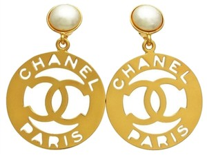 CHANEL CHANEL CUTOUT HOOP DANGLE EARRINGS