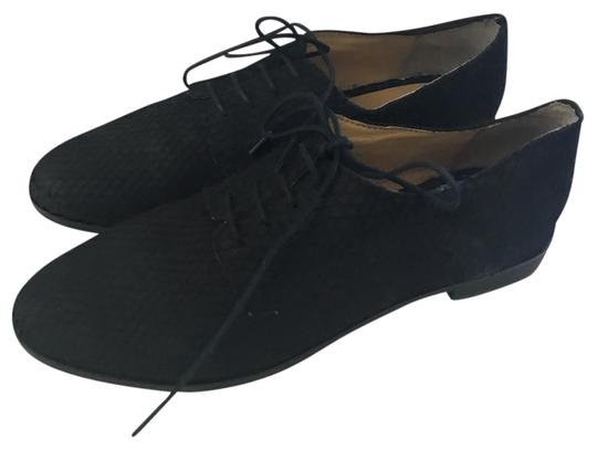 Preload https://img-static.tradesy.com/item/21557803/h-and-m-black-leather-oxford-flats-size-us-6-regular-m-b-0-1-540-540.jpg