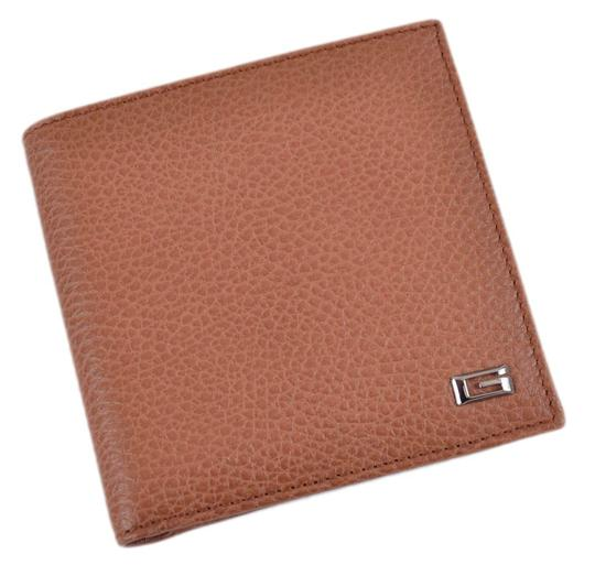 Preload https://item3.tradesy.com/images/gucci-tan-new-150405-saddle-textured-leather-g-logo-plaque-coin-wallet-21557962-0-0.jpg?width=440&height=440