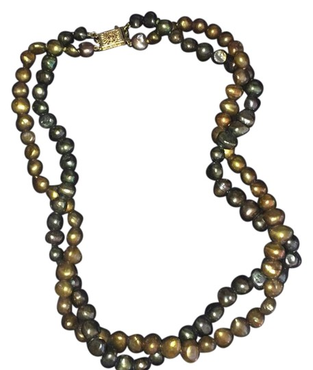 Preload https://item4.tradesy.com/images/gold-necklace-21558033-0-2.jpg?width=440&height=440