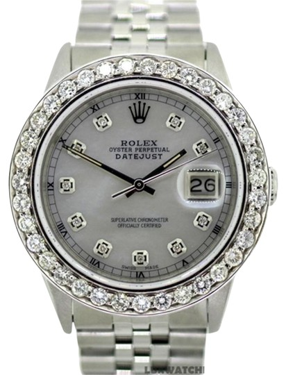Preload https://item1.tradesy.com/images/rolex-32ct-36mm-datejust-ss-w-box-and-appraisal-watch-21558045-0-1.jpg?width=440&height=440