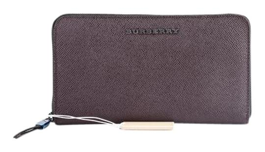Preload https://img-static.tradesy.com/item/21558831/burberry-zip-around-deep-claret-wallet-0-1-540-540.jpg