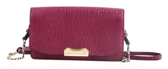 Preload https://item1.tradesy.com/images/burberry-signature-grain-leather-with-chain-dark-plum-clutch-21558870-0-1.jpg?width=440&height=440