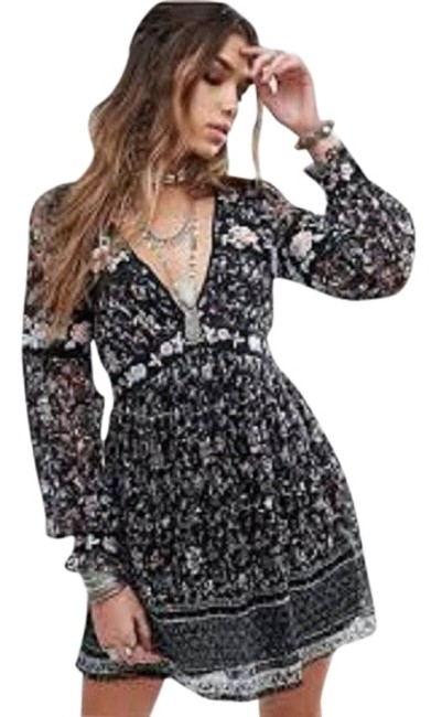 Preload https://item3.tradesy.com/images/free-people-black-combo-0098-cherry-blossom-mini-lace-and-embroidery-sz2-short-casual-dress-size-2-x-21559092-0-4.jpg?width=400&height=650