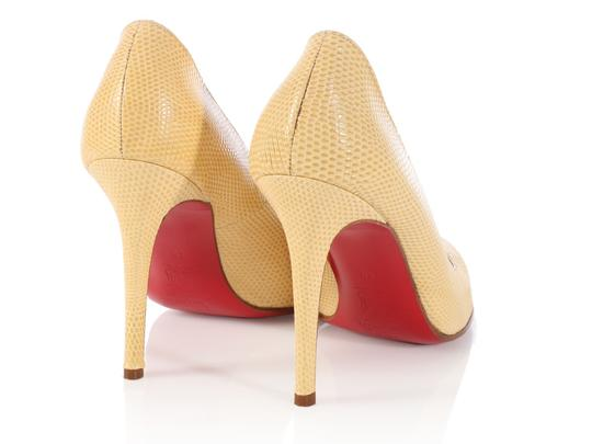 Christian Louboutin Round Toe Lb.l0504.13 Snake Classic Pale Yellow Pumps