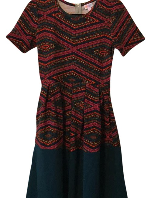 Preload https://item2.tradesy.com/images/lularoe-amelia-mid-length-short-casual-dress-size-4-s-21559986-0-2.jpg?width=400&height=650