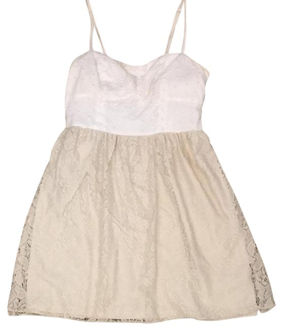 Preload https://img-static.tradesy.com/item/21560019/american-eagle-outfitters-creamwhite-textured-bodice-lace-fit-and-flare-short-casual-dress-size-8-m-0-2-650-650.jpg