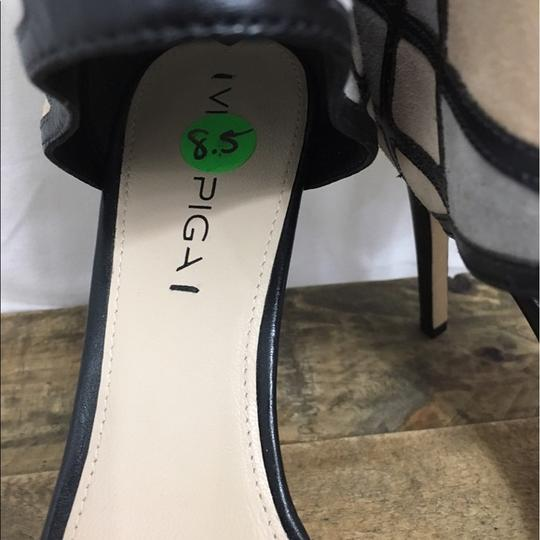 Via Spiga Black and Cream Pumps