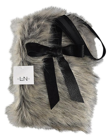 Preload https://item3.tradesy.com/images/lisa-nieves-bow-leather-grey-faux-fur-clutch-21560202-0-1.jpg?width=440&height=440