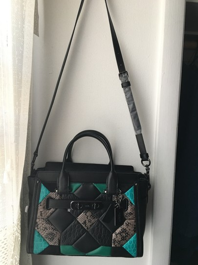 Coach Satchel in Black green
