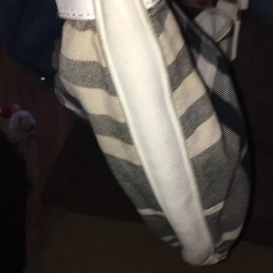 Burberry Tote in classic Burberry Check, white
