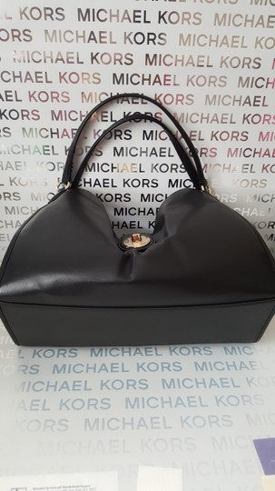 Coach Leather Carlyle Shoulder Bag