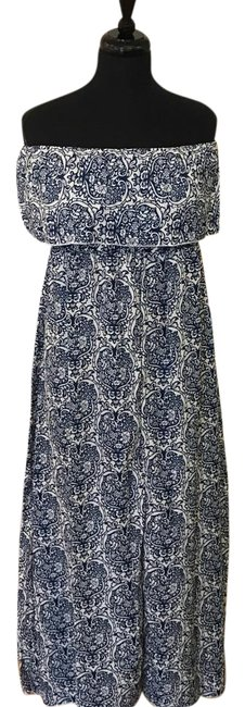 Preload https://img-static.tradesy.com/item/21561426/boho-chic-blue-and-white-paisley-and-floral-strapless-long-casual-maxi-dress-size-8-m-0-2-650-650.jpg