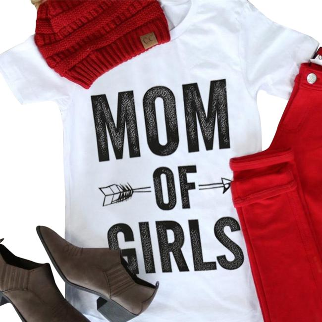 Preload https://img-static.tradesy.com/item/21561654/mom-of-girls-arrow-sleeve-t-shirt-tee-shirt-size-6-s-0-4-650-650.jpg