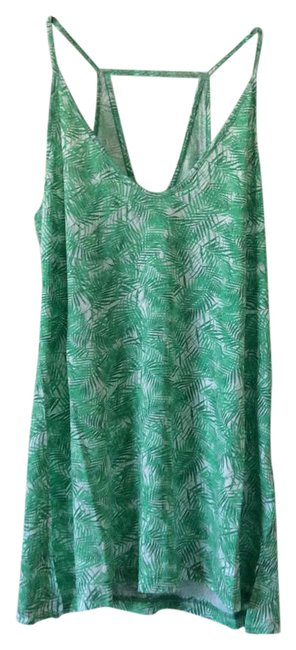 Preload https://item2.tradesy.com/images/old-navy-green-and-white-tank-topcami-size-2-xs-21562031-0-1.jpg?width=400&height=650