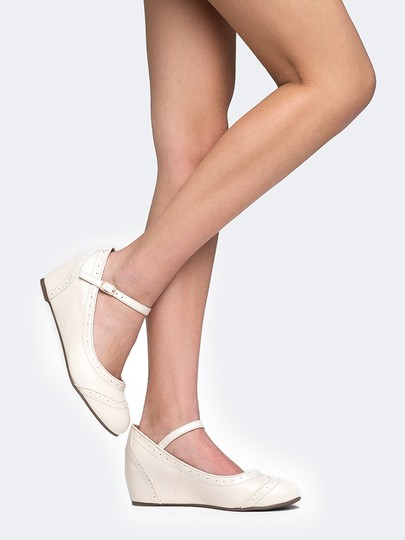 J. Adams Round Toe Flat Sandals Pumps Nude Wedges