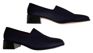 Donald J. Pliner Elastic Stretch Spain Dame Crepe Navy Pumps