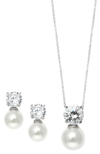Preload https://item2.tradesy.com/images/mariell-silver-cubic-zirconia-with-pearl-solitaire-necklace-earrings-3508s-jewelry-set-21563071-0-0.jpg?width=440&height=440