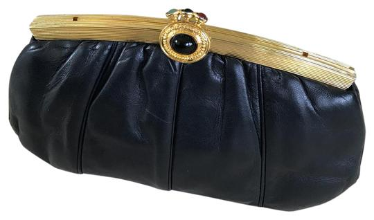 Preload https://img-static.tradesy.com/item/21563227/judith-leiber-gemstone-clasp-black-lambskin-leather-clutch-0-2-540-540.jpg