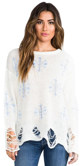 Preload https://item3.tradesy.com/images/wildfox-white-light-blue-snowflake-sweaterpullover-size-6-s-21563992-0-2.jpg?width=400&height=650