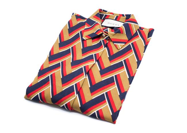 Preload https://item3.tradesy.com/images/gucci-multi-color-women-s-chevron-printed-button-down-top-size-0-xs-21564237-0-0.jpg?width=400&height=650