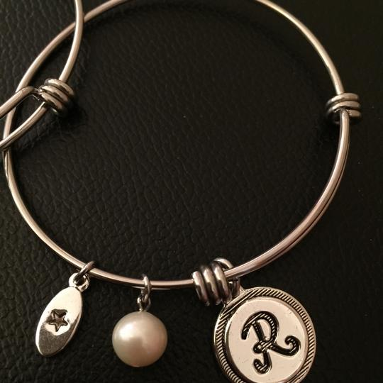 Unwritten new angle and R charm bracelet set