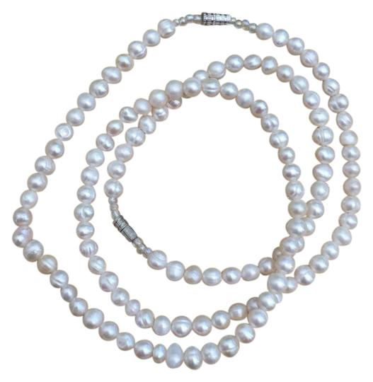 Preload https://item1.tradesy.com/images/white-set-of-freshwater-pearls-and-bracelet-necklace-21564795-0-2.jpg?width=440&height=440