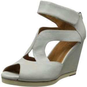Coclico Wedge Sandal White Wedges