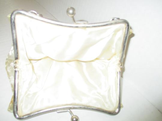 Other Clutch Satin Vintage Kiss Closure Wristlet in Ivory