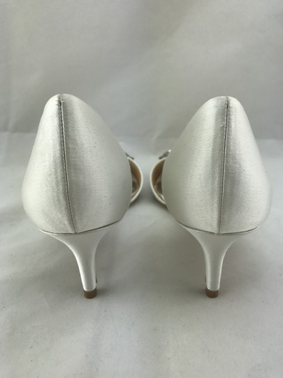 Badgley Mischka Peep Toe Embellished Jeweled Wedding Satin Ivory Pumps