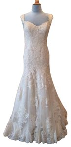 Essense of Australia Ivory/Oyster Tulle/Lace Applique D1617 Formal Wedding Dress Size 8 (M)