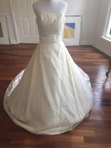 Priscilla of Boston Ivory Silk Elegant Strapless Gown Traditional Wedding Dress Size 4 (S)