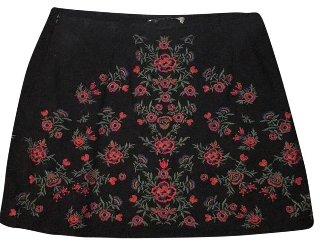 Preload https://item4.tradesy.com/images/zara-black-basic-embroidery-never-been-worn-no-tags-skirt-size-8-m-29-30-21566298-0-2.jpg?width=400&height=650