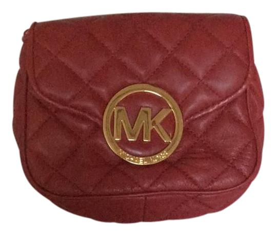 Preload https://item2.tradesy.com/images/michael-kors-red-leather-cross-body-bag-21566356-0-2.jpg?width=440&height=440