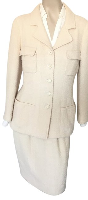 Item - Ivory Very Pretty Boucle 42 Skirt Suit Size 8 (M)