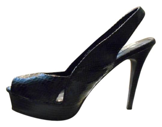 Vera Wang Black Pumps