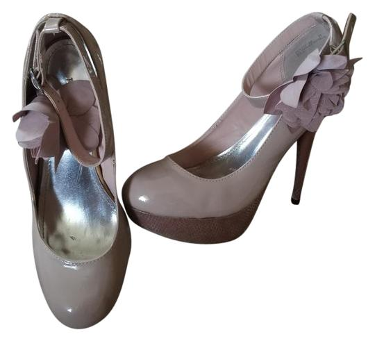 Preload https://item2.tradesy.com/images/bamboo-pale-taupe-lullaby-pumps-size-us-85-regular-m-b-21566486-0-2.jpg?width=440&height=440