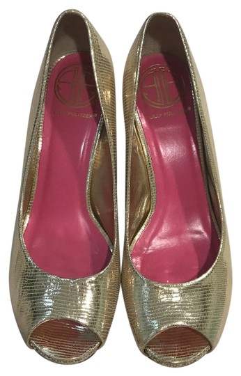 Preload https://item3.tradesy.com/images/lilly-pulitzer-gold-metallic-peep-toe-snake-skin-design-and-weave-design-wedges-size-us-75-regular-m-21566562-0-3.jpg?width=440&height=440