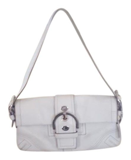 Preload https://img-static.tradesy.com/item/21566595/coach-big-buckle-white-leather-shoulder-bag-0-2-540-540.jpg