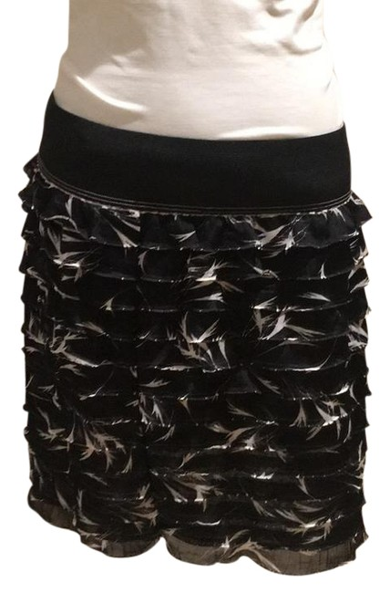 Preload https://item1.tradesy.com/images/free-people-black-and-white-and-tiered-miniskirt-size-4-s-27-21567100-0-2.jpg?width=400&height=650